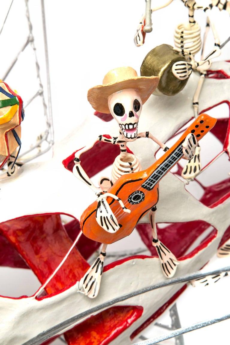 28'' Algo de Michoacan / Carton, Paper and Tin Sculpture Mexican Folk Art  - Beige Figurative Sculpture by Mario Saulo Moreno Contreras