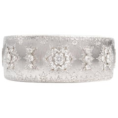 Mario Vintage Buccellati Opera Rigato Diamond 18 Karat Cuff Bracelet