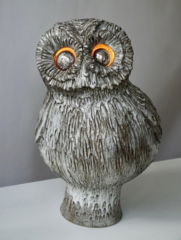 Masterpiece of Marius Bessone Vallauris. Exceptional ceramic lamp by Marius Bessone, Vallauris, representing an owl. Signature inside the lamp: M Bessone Vallauris The eye area is completely scarified and the bulbs create a very realistic