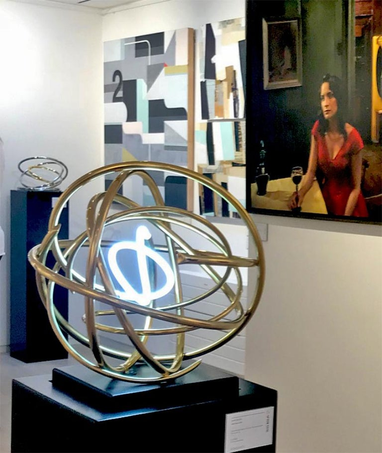 24ct Gold Plated Copper and White Neon Orb Sculpture on Painted Aluminium Plinth For Sale 2
