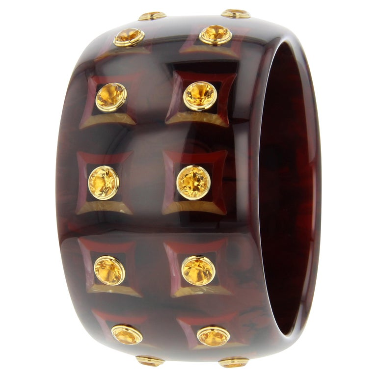 Mark Davis Vintage Brown Bakelite Bangle with Inlaid Square Pattern and Citrine For Sale