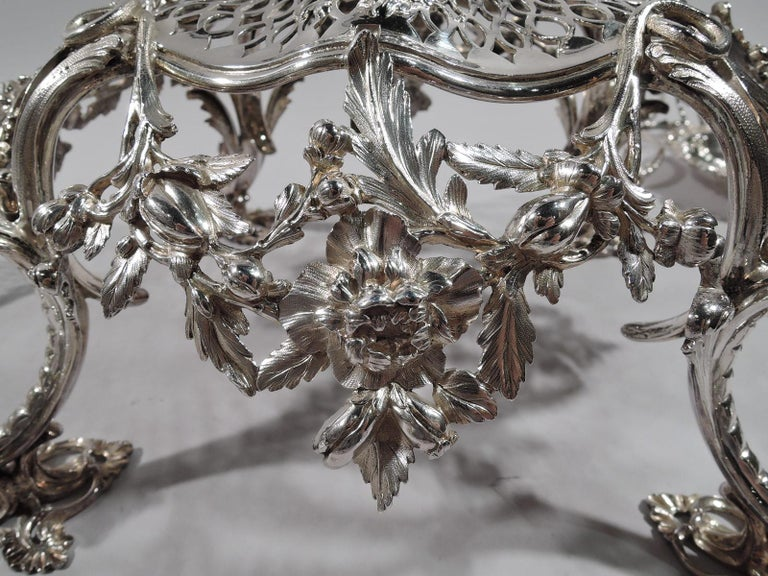 Market-Fresh English Georgian Rococo Epergne by Thomas Pitts, 1766 For Sale 5