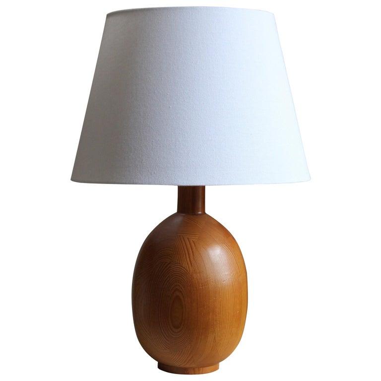 Markslöjd, Sizeable Minimalist Table Lamp, Solid Pine, Kinna, Sweden, c. 1970s For Sale