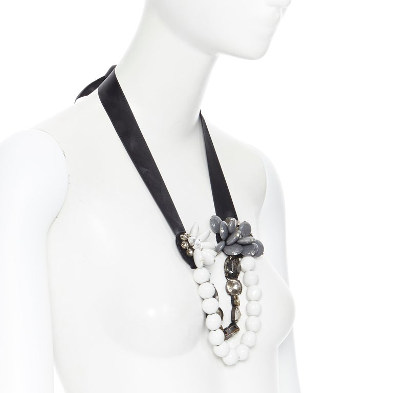 MARNI white bead floral jewel crystal embelished ribbon statement necklace In Excellent Condition For Sale In Hong Kong, NT