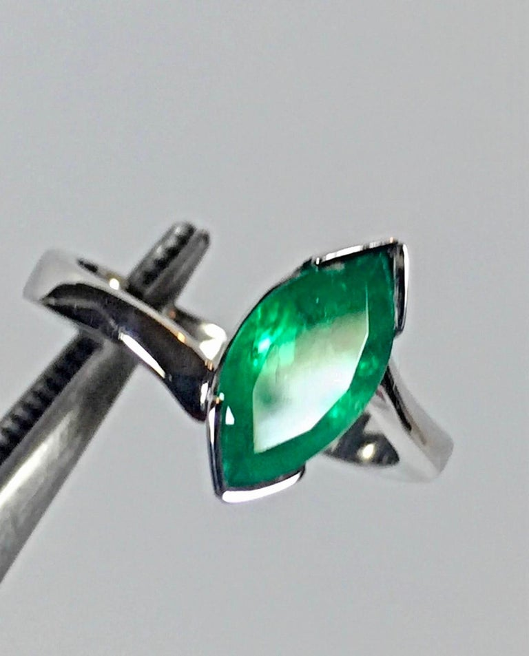 Marquise Cut Colombian Emerald Solitaire Ring 18 Karat In New Condition For Sale In Brunswick, ME
