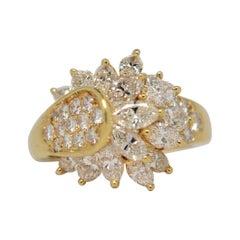 Marquise Cut Diamond & Round Brilliant Cut Diamond Ring Set in 18k Yellow Gold