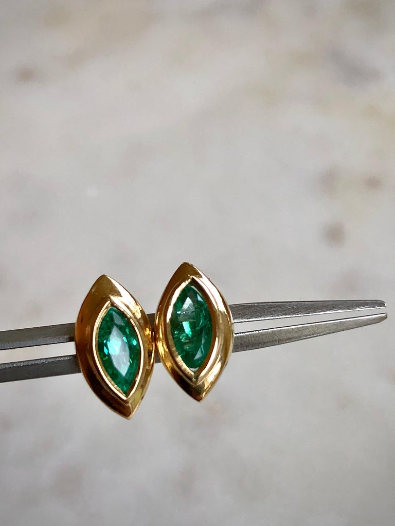 Marquise Emerald Stud Earrings 18 Karat Yellow Gold For Sale 2
