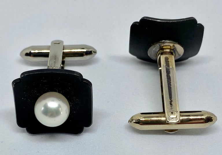 Round Cut Marsh & Company Gold, Oxidized Steel and Cultured Pearl Cufflinks Dress Set For Sale