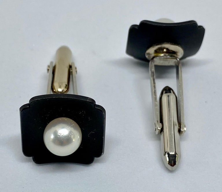Marsh & Company Gold, Oxidized Steel and Cultured Pearl Cufflinks Dress Set For Sale 1