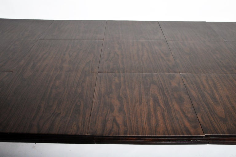 Marsh, Jones, & Cribb Antique Dining Table with Three Leaves For Sale 4