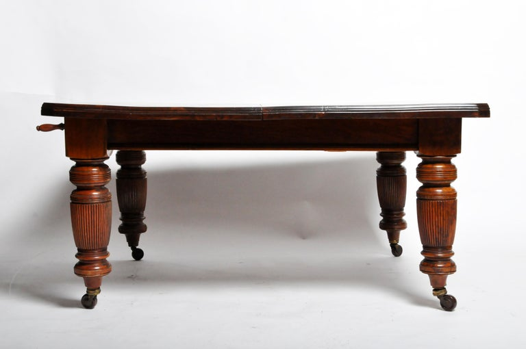 English Marsh, Jones, & Cribb Antique Dining Table with Three Leaves For Sale