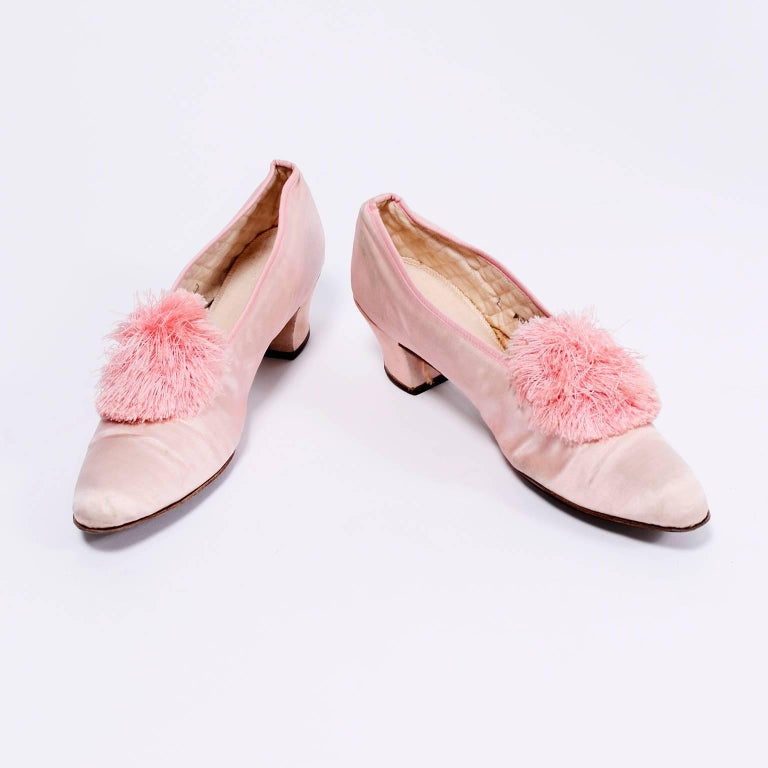 Marshall Field Edwardian Pink Satin Vintage Shoes With Pom Poms 7 For Sale 6