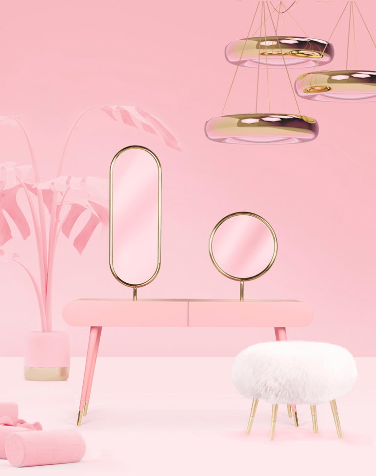 Marshmallow dressing table - Royal Stranger