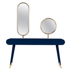 Marshmallow Dressing Table, Royal Stranger