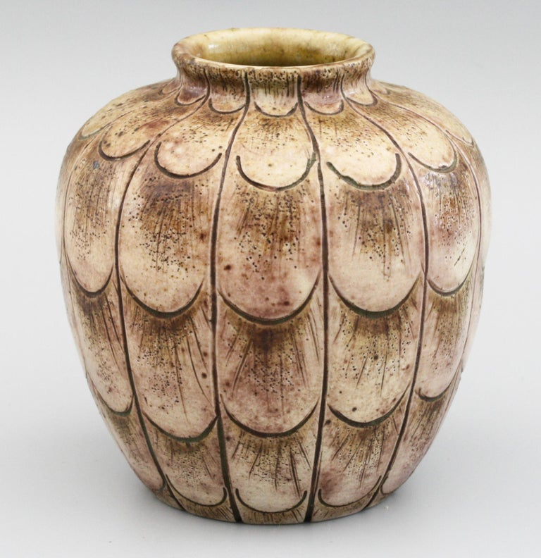 Martin Brothers Art Pottery Stylised Incised Leaf Pattern Vase Dated 1906 In Good Condition In Bishop's Stortford, Hertfordshire