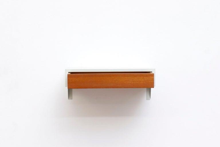 Mid-Century Modern Martin Visser DD01 Wall Mount Shelf for 'T Spectrum For Sale