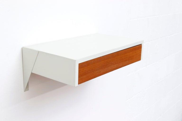 Mid-20th Century Martin Visser DD01 Wall Mount Shelf for 'T Spectrum For Sale