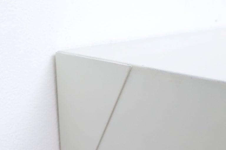 Metal Martin Visser DD01 Wall Mount Shelf for 'T Spectrum For Sale