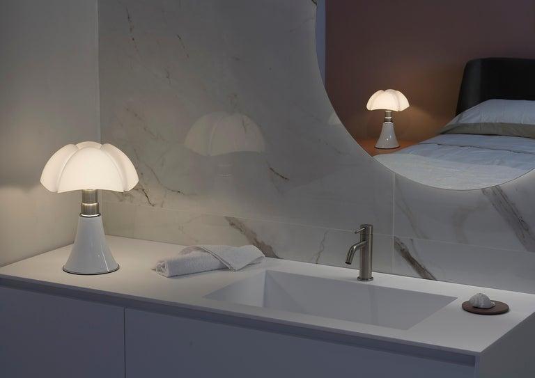 Martinelli Luce LED Minipipistrello 620/J Table Lamp by Gae Aulenti For Sale 7