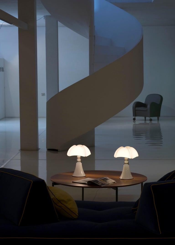Martinelli Luce LED Minipipistrello 620/J Table Lamp by Gae Aulenti For Sale 8