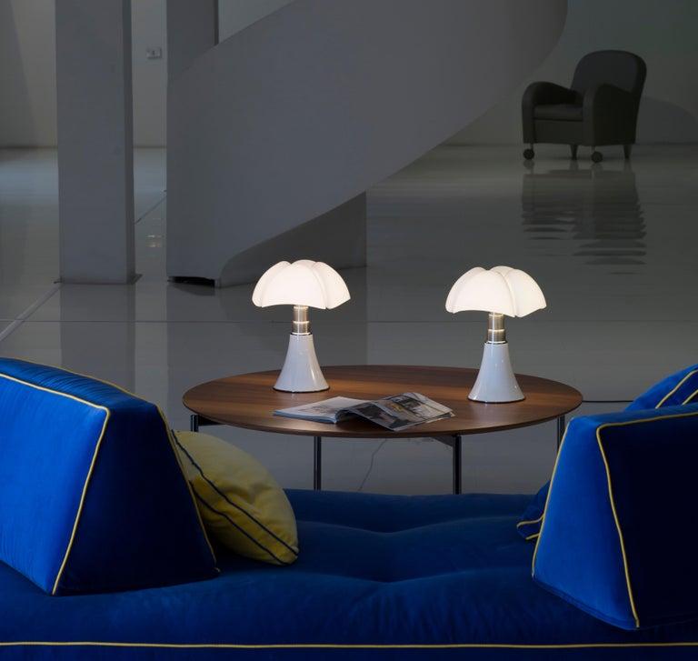 Martinelli Luce LED Minipipistrello 620/J Table Lamp by Gae Aulenti For Sale 1