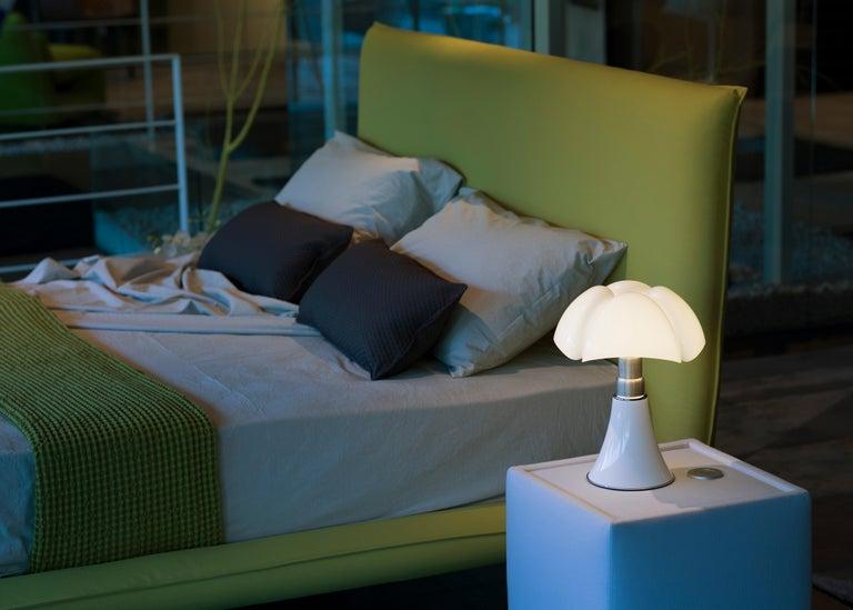 Martinelli Luce LED Minipipistrello 620/J Table Lamp by Gae Aulenti For Sale 2