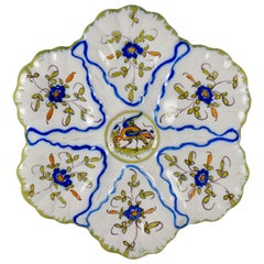 Martres-Tolosane Moustier Floral Oyster Plate, Left Facing Bird