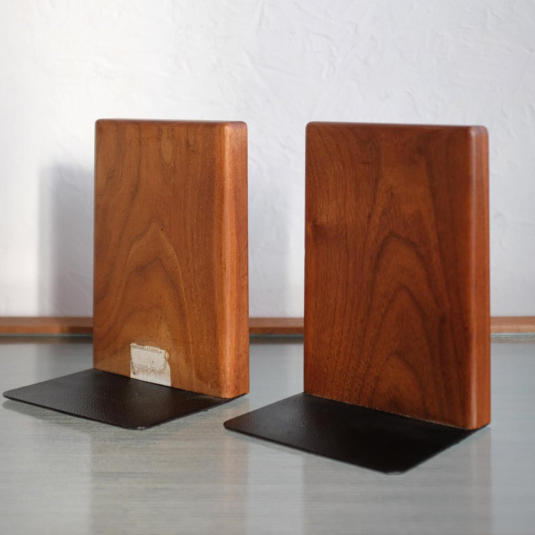 Mid-20th Century Martz Bookends for Marshall Studios Walnut and Ceramic For Sale
