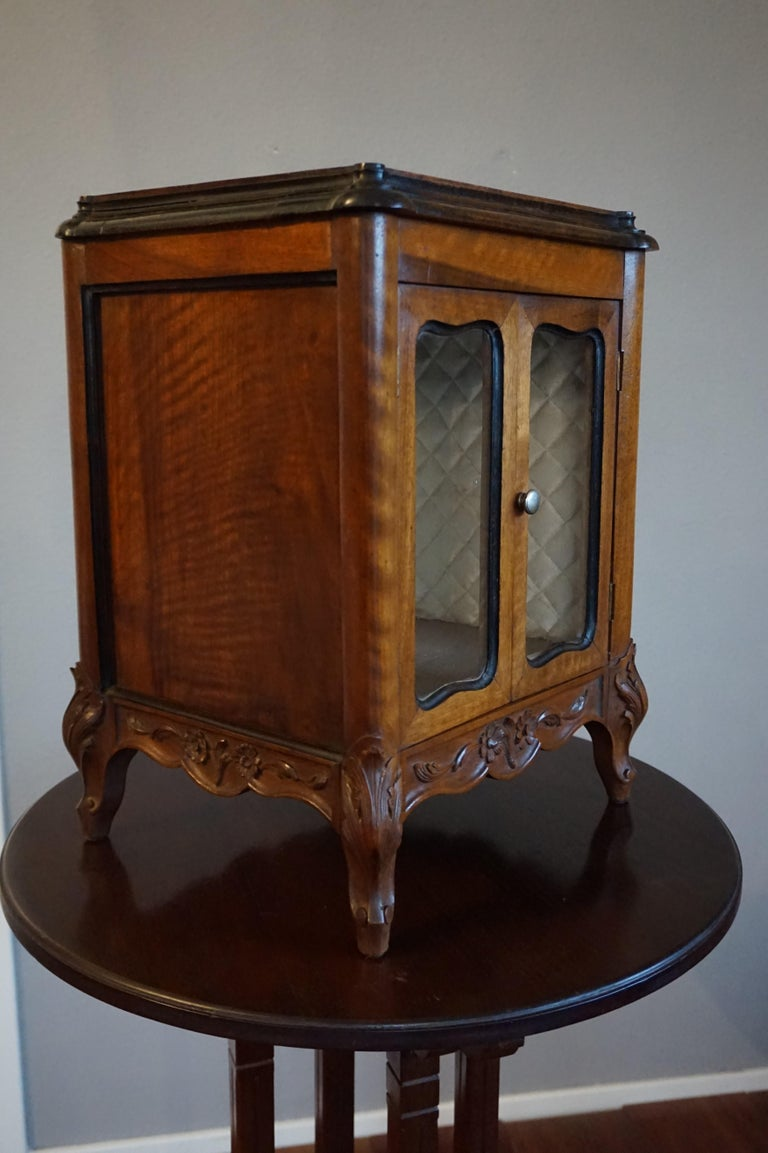 Marvelous 19th Century Handcrafted Louis Quinze Style Nutwood Miniature Cabinet For Sale 11