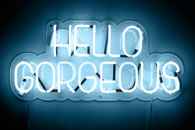 Hello gorgeous - neon art work - Contemporary Sculpture by Mary Jo McGonagle