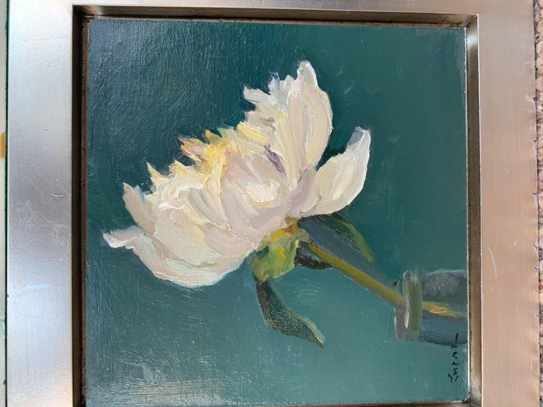 Maryann Lucas lives and works in Sag Harbor. She is primarily self-taught but has also received instruction and support from wonderful and generous members of the East End artistic community. Working exclusively in oils, Lucas sets out almost daily