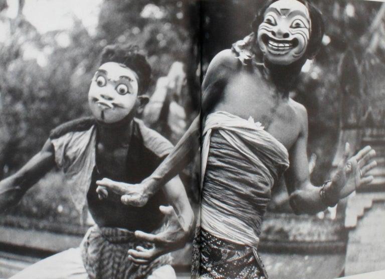Masken Gesichter Der Menschheit 'Face Masks of Humanity', First Edition For Sale 11