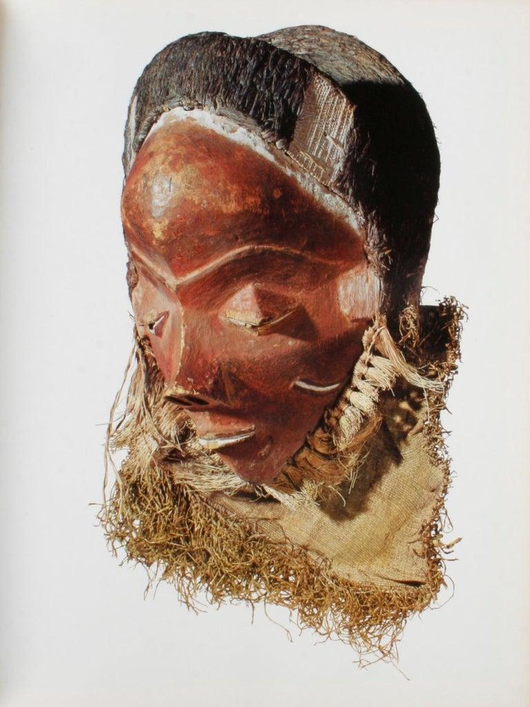 Masken Gesichter Der Menschheit 'Face Masks of Humanity', First Edition In Good Condition For Sale In valatie, NY