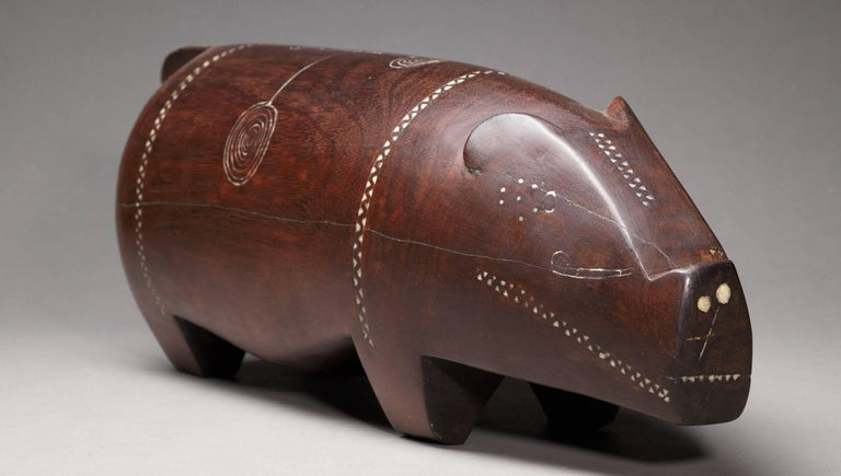 Papua New Guinean Massim Ceremonial Pig with Inlaid Shell, Trobiand Islands, Papua New Guinea For Sale
