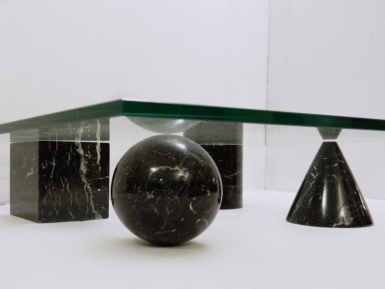 Massimo and Lella Vignelli 'Metaphora' coffee table in black marble and glass.