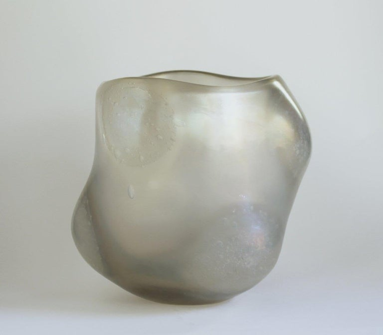 Massimo Micheluzzi (1957) uses traditional techniques to achieve a uniquely modern aesthetic. He is one of very few contemporary Muranese artists to successfully employ Classic murrina and battuto techniques for a disciplined, sober vision. Reserved