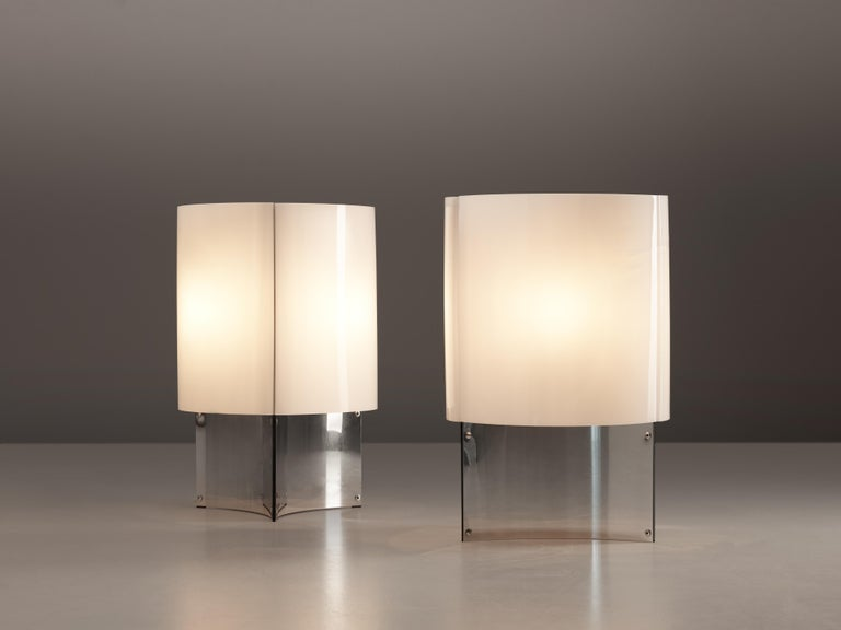 Mid-Century Modern Massimo Vignelli for Arteluce Pair of Table Lamps Model 526 For Sale