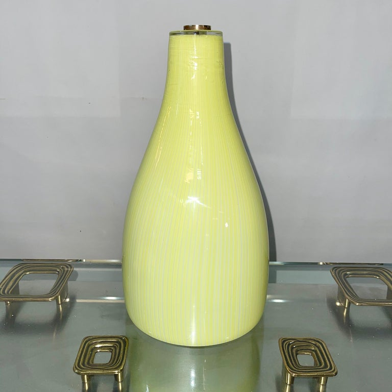 Mid-Century Modern Massimo Vignelli for Venini Yellow Onion Glass Uplighter Wall Sconce For Sale