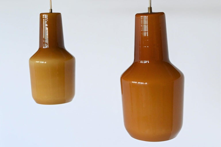 Mid-Century Modern Massimo Vignelli Pair of Pendant Lamps Venini, Italy, 1960