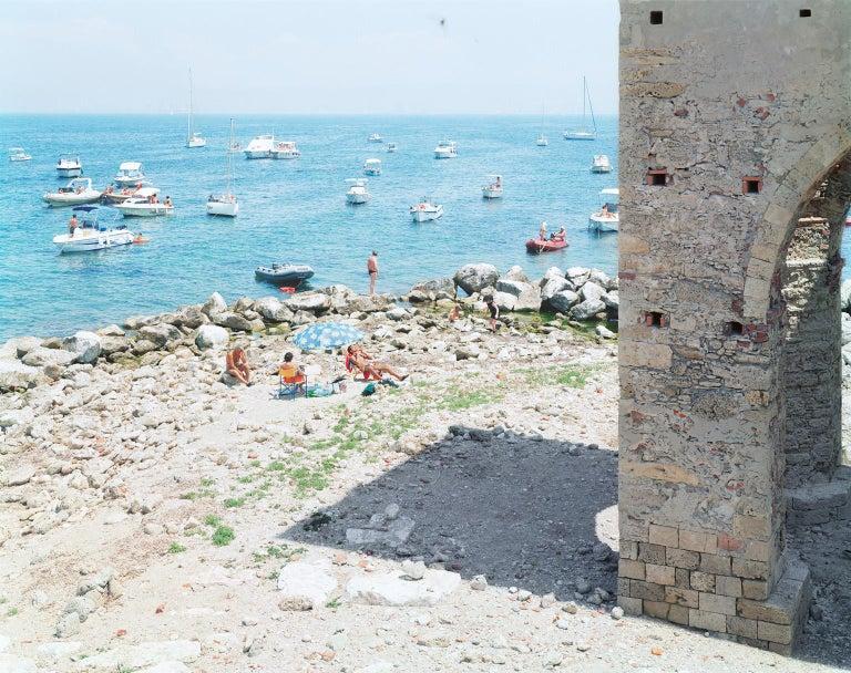 Massimo Vitali Landscape Photograph - Meloria - large scale photograph of Mediterranean beach scene (artist framed)