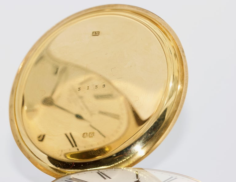 Massive 18 Karat Gold Men's Hunter Pocket Watch by Allamand Brothers, London In Good Condition For Sale In Berlin, DE