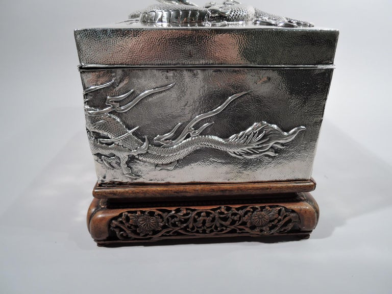 Massive Antique Japanese Silver Jewel Casket with Guardian Dragons In Excellent Condition For Sale In New York, NY