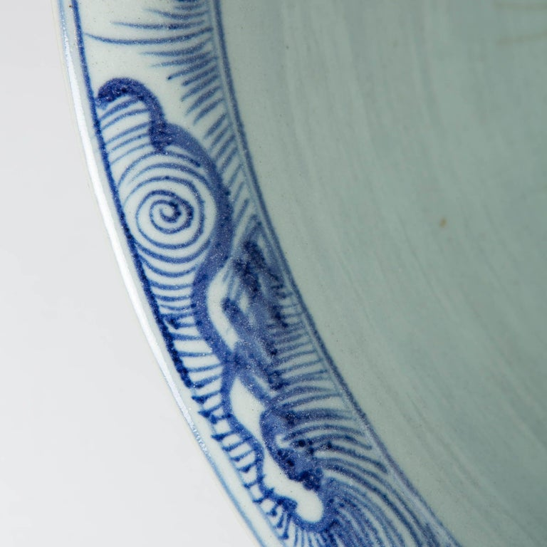 Massive Chinese Blue and White Punch Bowl Decorated with Fish For Sale 7