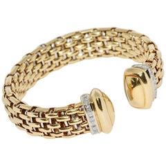 Massive Gold Bangle, Bracelet, 18 Karat with 24 Princess Cut Diamonds