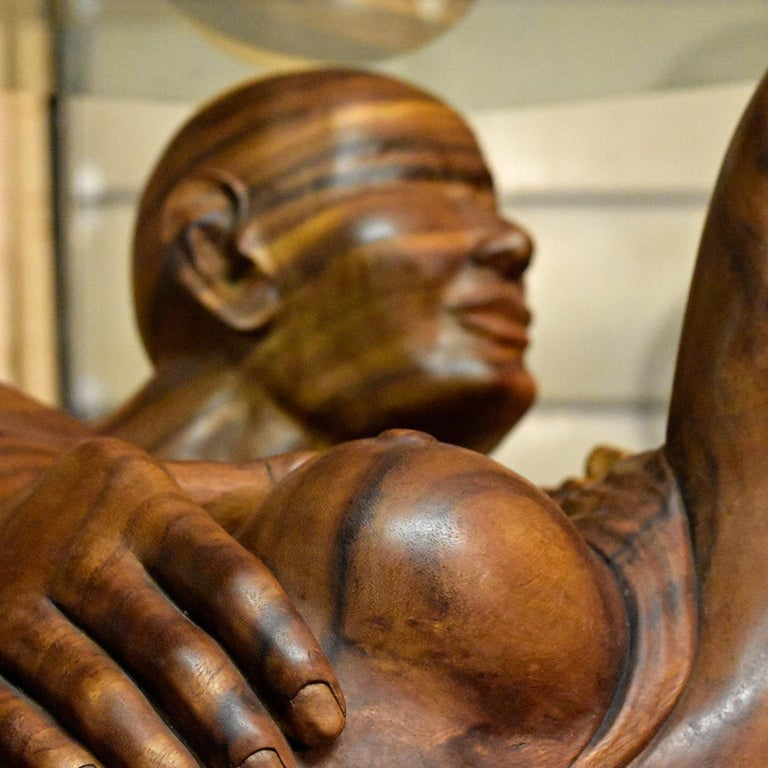 Massive Hand Carved Monkey Pod Exotic Hardwood Lovers Embrace Coffee Table For Sale 12