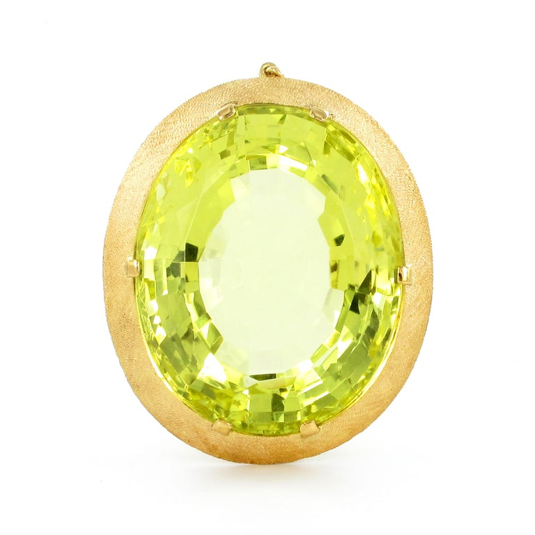 Oval Cut Massive Lemonquarz Pendant Necklace in Yellow Gold 750 For Sale