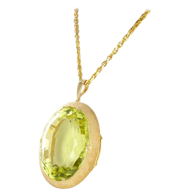 Massive Lemonquarz Pendant Necklace in Yellow Gold 750 For Sale