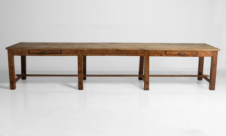 Massive Pine Worktable, Italy, circa 1900 For Sale 2