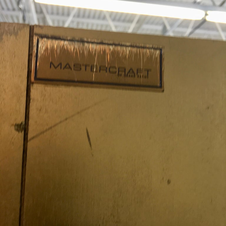 Mastercraft Brass & Glass Vitrine For Sale 4