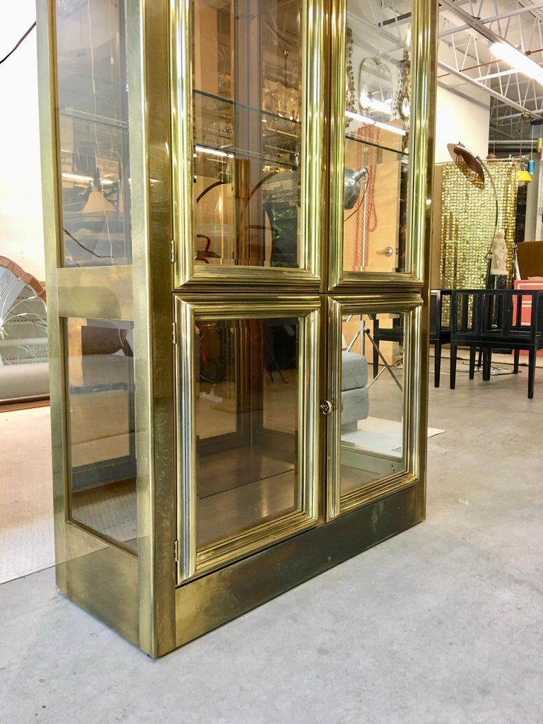 Mastercraft Brass & Glass Vitrine For Sale 13